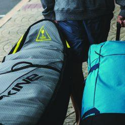 תיקים ומזוודות